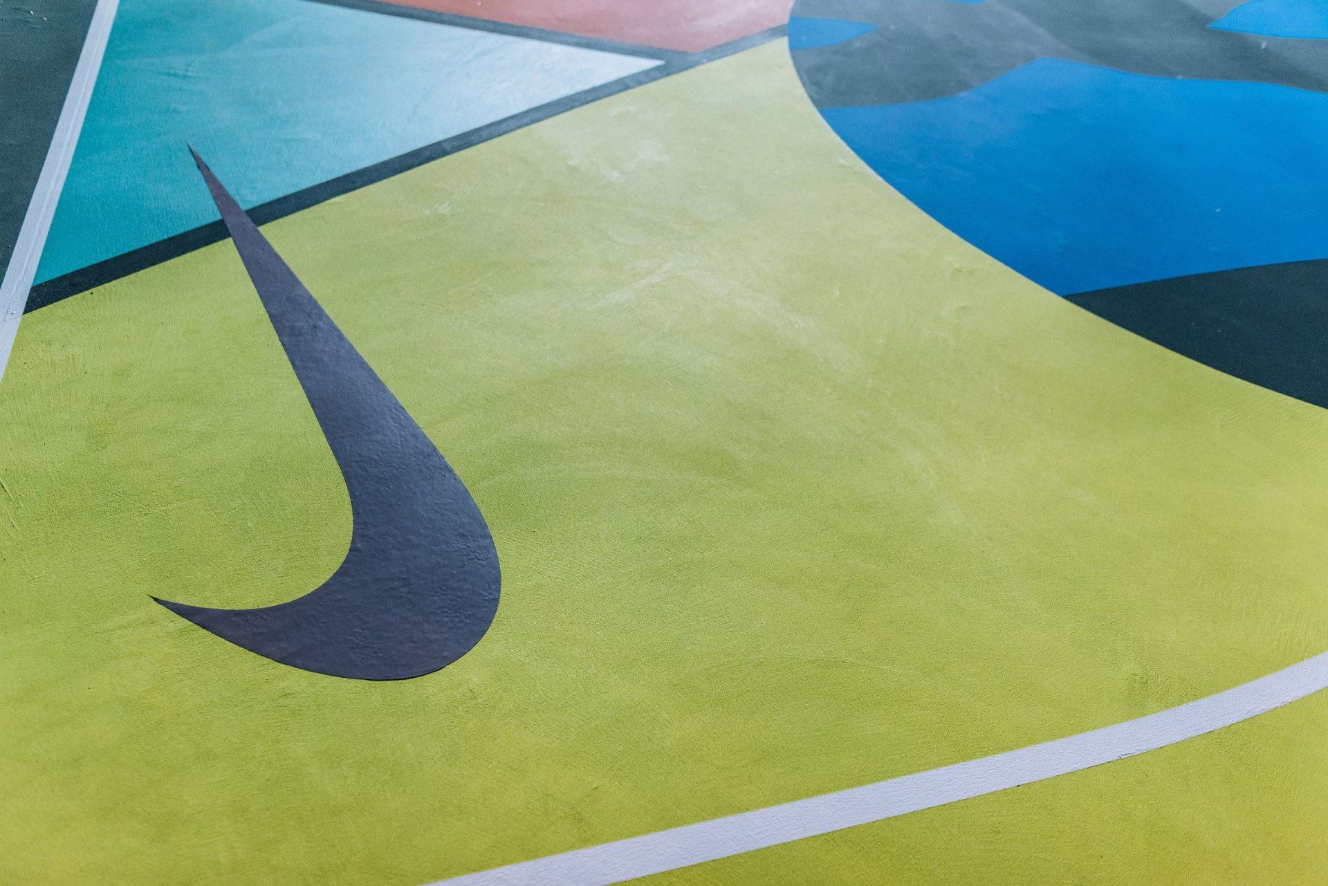 stanton-street-basketball-courts-sport-urban-design-nike-kaws-brian-donnelly-brooklyn-new-york-usa_dezeen_2364_col_3