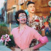 Conheça o PWR BTTM, a banda de rock queer mais legal que você vai ver em 2017.