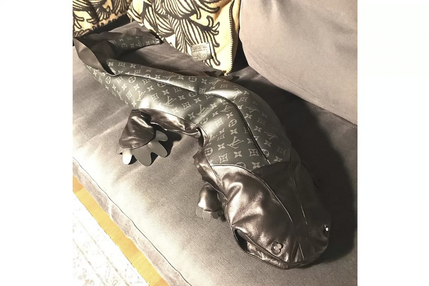 fragment-design-louis-vuitton-giant-leather-salamander-1