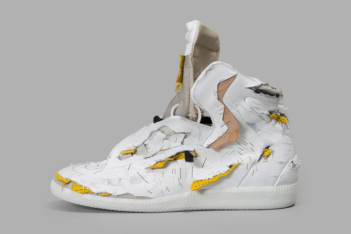 http-hypebeast.comimage201704maison-margiela-destroyed-future-sneaker-1