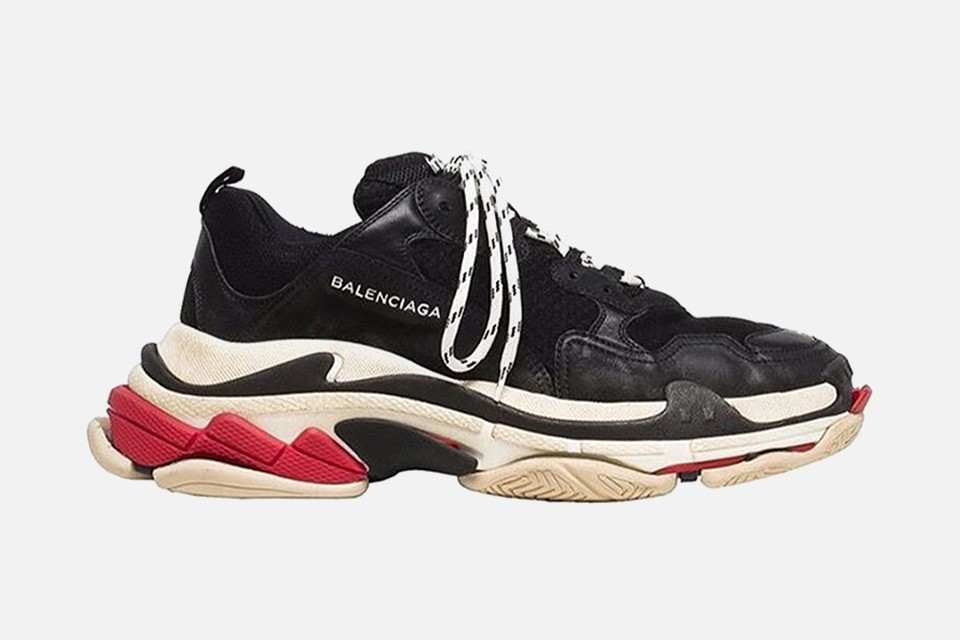 balenciaga-triple-s-black-white-red-01-960x640