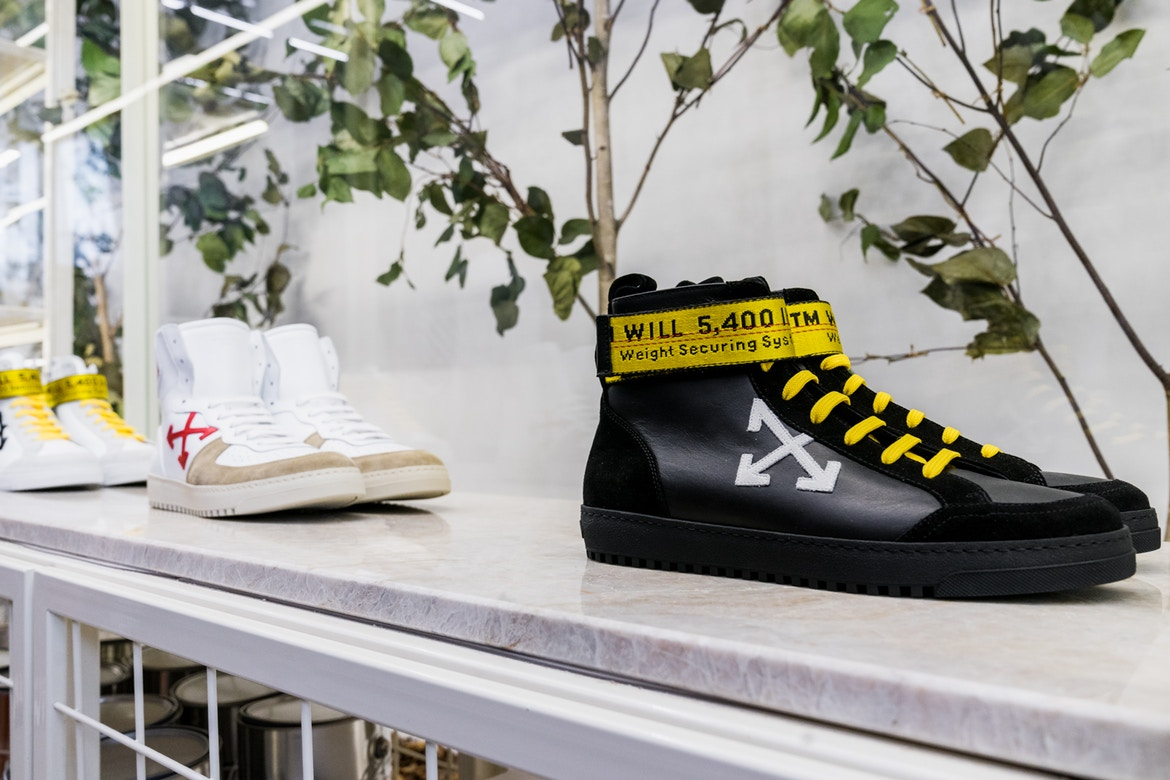 http-hypebeast.comimage201707inside-off-white-empty-gallery-store-new-york-city-8