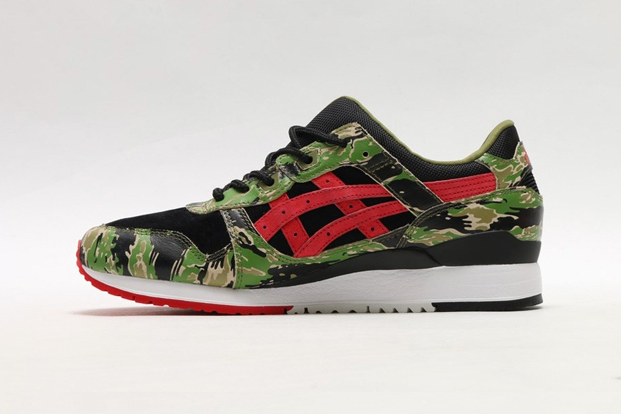 http-hypebeast.comimage201708atmos-x-asics-gel-lyte-iii-tiger-camo-03