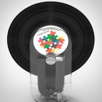 """""""o-ton"""", o toca discos vertical que transforma seus vinis em MP3"""