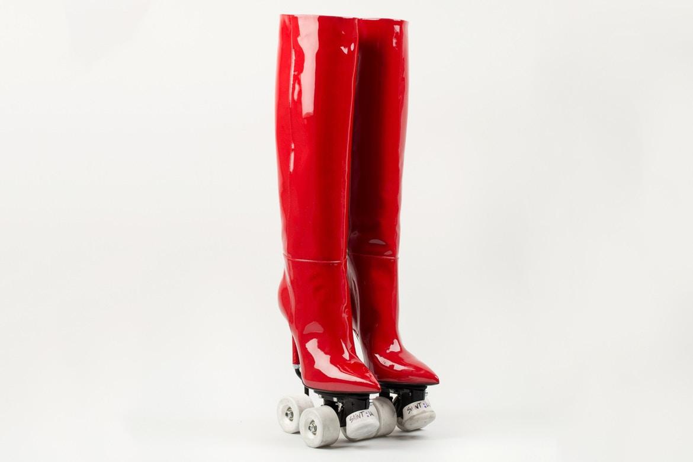 http_bae.hypebeast.comfiles201711saint-laurent-colette-rollerblade-heels-boots-red-black-3