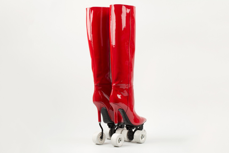 http_bae.hypebeast.comfiles201711saint-laurent-colette-rollerblade-heels-boots-red-black-4